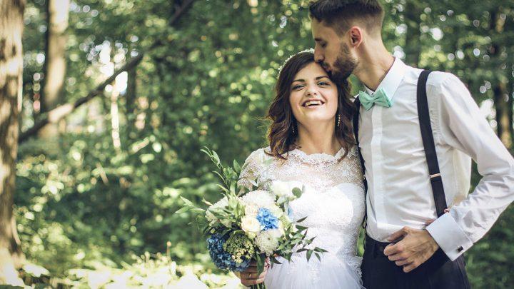Suknia ślubna wwiększym rozmiarze
